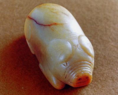 猪图案平面雕刻